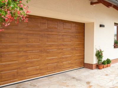 design garážových vrat kazeta (imitace dřeva zlatý dub)