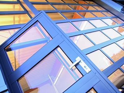 Hliníková vrata ALM plus integrovaný vstup